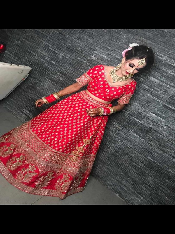 Professional Makeup Artist , Poonam Professional Makeup Artist In Lucknow